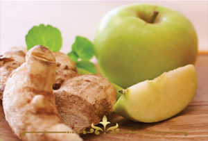 Sandalwood & Ginger Apple Scented Candles